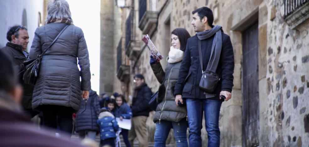 Cáceres contrata un 'gran hermano' del turismo para conocer a sus visitantes