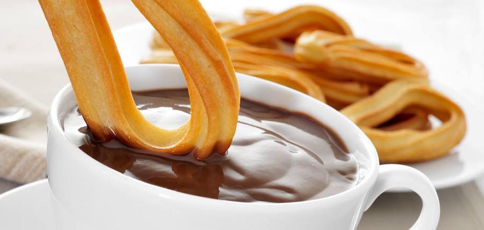 Chocolate y compras en la feria 'Encomienda' de Moraleja