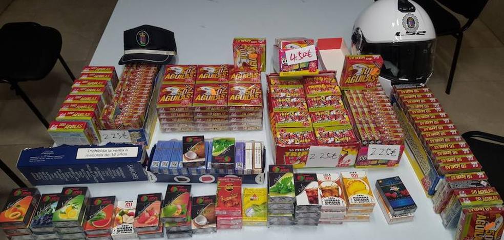 La Policía Local denuncia a una tienda de Santa Marina por vender productos pirotécnicos