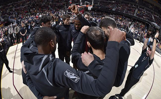 Cleveland iguala su mejor racha de victorias, 13