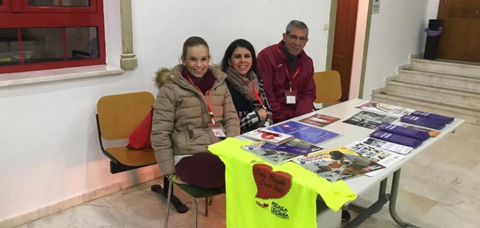 Una exposición busca nuevos donantes de médula ósea en Almendralejo