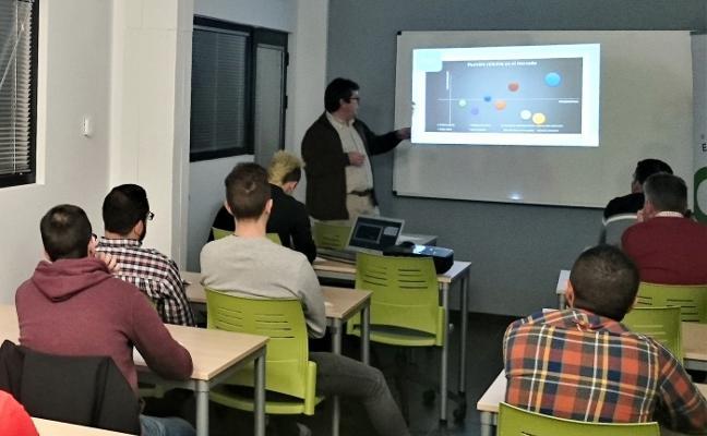 iNovo ofrece 120 horas de formación individualizada en Trujillo