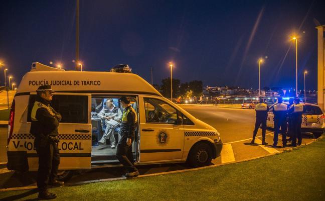 La Policía Local de Badajoz reforzará en Navidad los controles de alcohol y drogas
