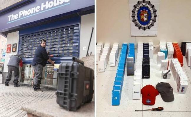Dos detenidos tras robar 96 móviles en Cáceres y darse a la fuga al saltar la alarma