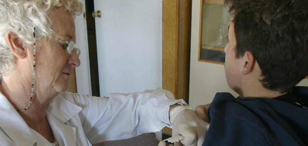 Los 4.000 enfermeros extremeños podrán prescribir medicamentos