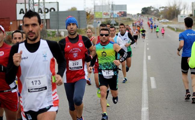 Mónica Gutiérrez y David Magán ganan la IX Media Maratón de Navalmoral