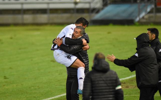 El Badajoz se abraza a la liga