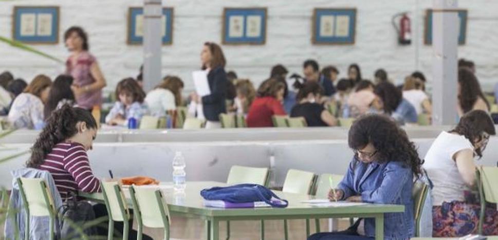 La Junta reserva 600.000 euros para celebrar las oposiciones de Educación