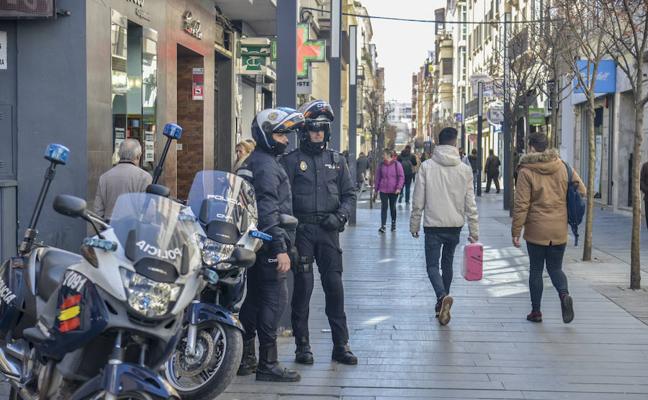 Más policías nacionales en las zonas concurridas en Navidad