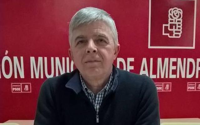 Fernando Bote se presenta a secretario general del PSOE de Almendralejo con una propuesta de cambio