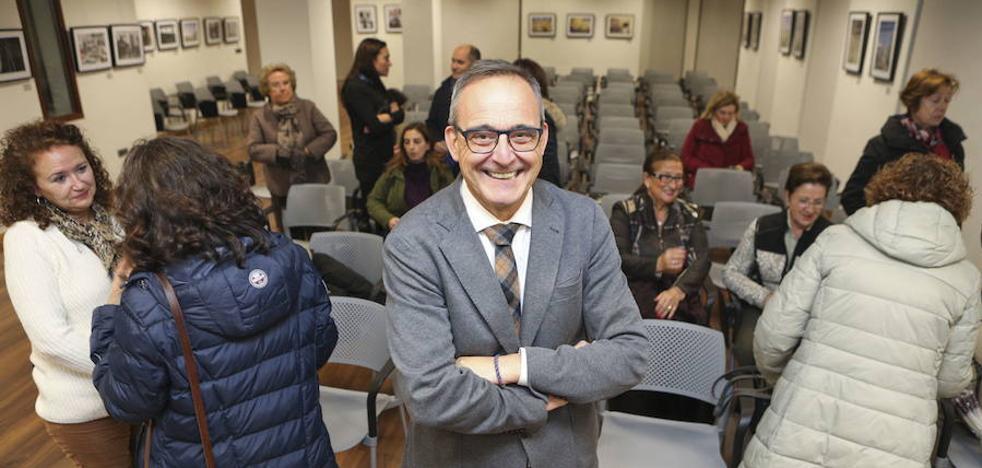Carlos Pajuelo imparte la charla 'Educar no es sufrir', este jueves en Badajoz