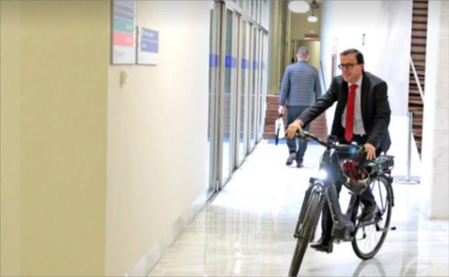 La Diputación compra dos bicicletas eléctricas para los trabajadores de Promedio