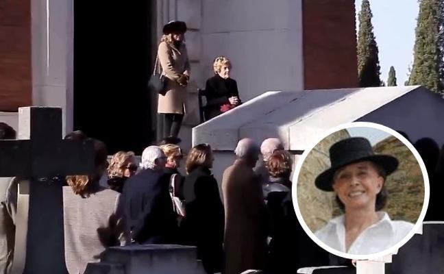 Familiares y amigos dan su último adiós a la condesa viuda de Romanones