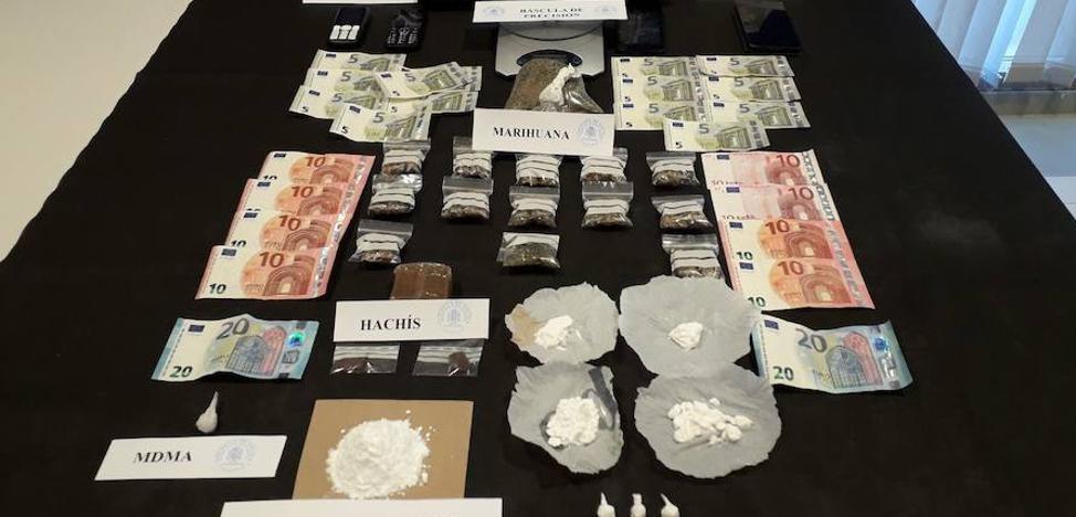 Tres detenidos por trapicheo de drogas en Cáceres