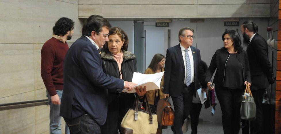 La Junta dice que la ejecución presupuestaria de los compromisos con el PP es del 83%