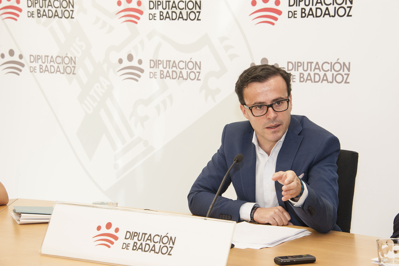 Gallardo responde al alcalde de Guadiana del Caudillo