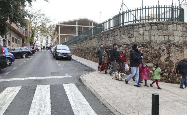 El Ayuntamiento de Cáceres mejorará los accesos al colegio de la Montaña