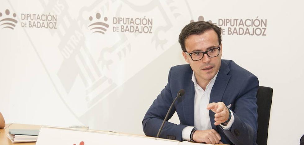 La Diputación dice que no puede obligar a eliminar vestigios pero sí suspender ayudas a quien no lo haga