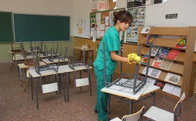 La limpieza privada de los colegios públicos de Plasencia no empezará en enero por una impugnación