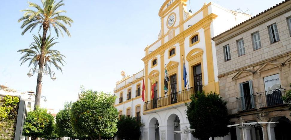 El Ayuntamiento de Mérida y los sindicatos firman el abono de la carrera profesional