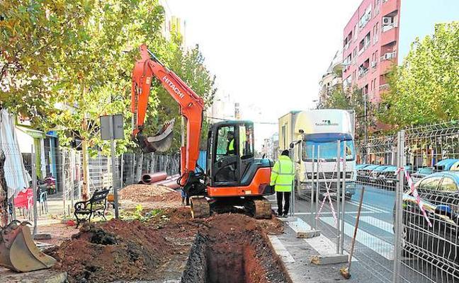 Arranca la obra para cambiar un tramo del colector de la avenida Ricardo Carapeto