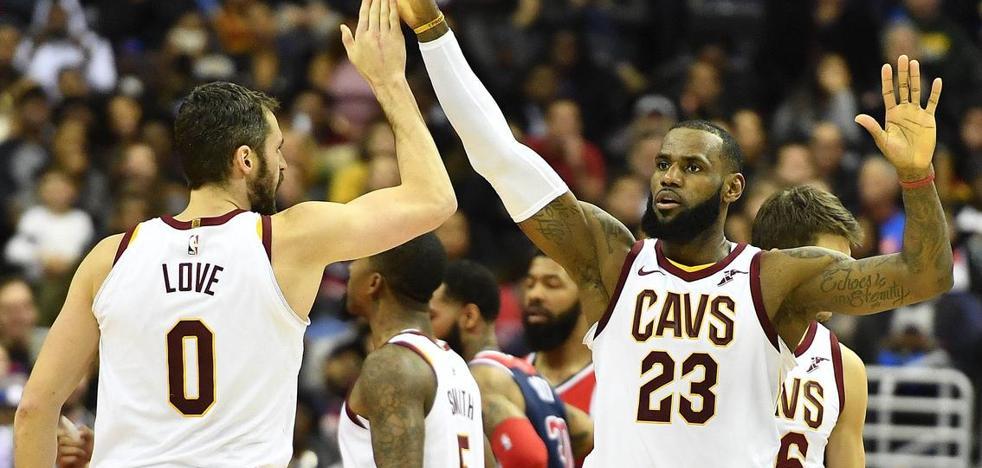 Ganan los Cavaliers con 'triple-doble' de James y 7 puntos de Calderón