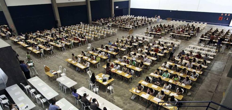 La oposición de laborales sigue sin resolverse un año después de terminar los exámenes