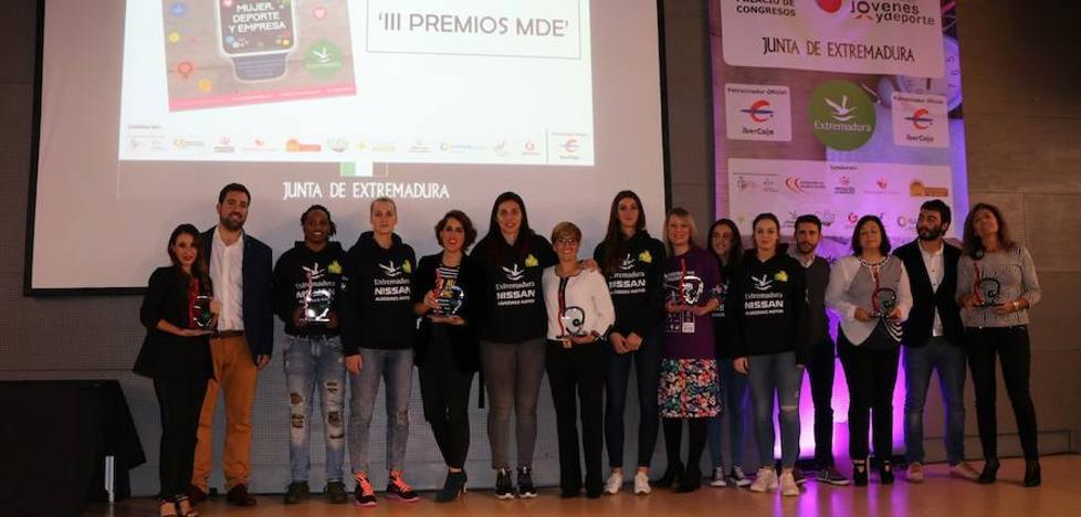 La Fundación Jóvenes y Deporte entrega las becas Diputación Contigo 2017