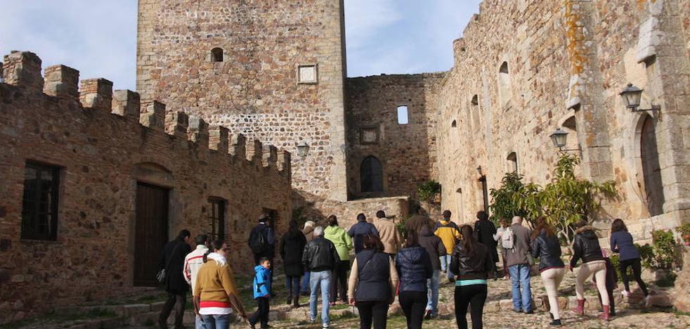 La ONCE reparte 140.000 euros entre varios comerciantes del mercadillo de Alburquerque