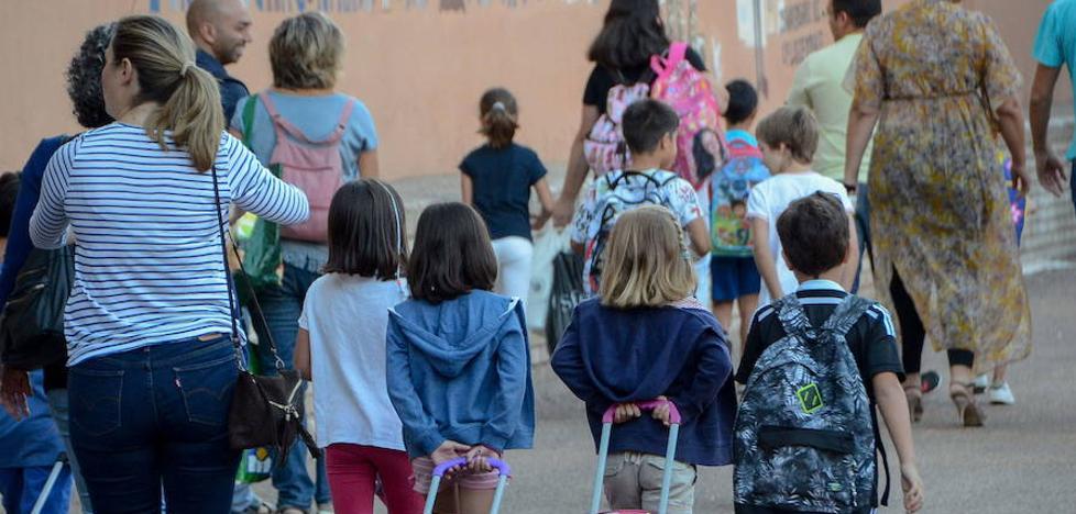 La escuela extremeña pierde mil alumnos por curso en la última década