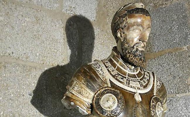 Pizarro respalda el intento de la Junta de detener la subasta del busto imperial