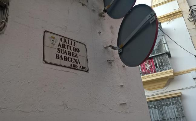 La Diputación pide retirar la placa de la calle Arturo Suárez Bárcenas en Almendralejo
