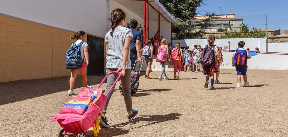 La Junta estudia poner en marcha ayudas para libros de Infantil el próximo curso