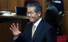 Fujimori, del poder absoluto en Perú, a la cárcel y al indulto
