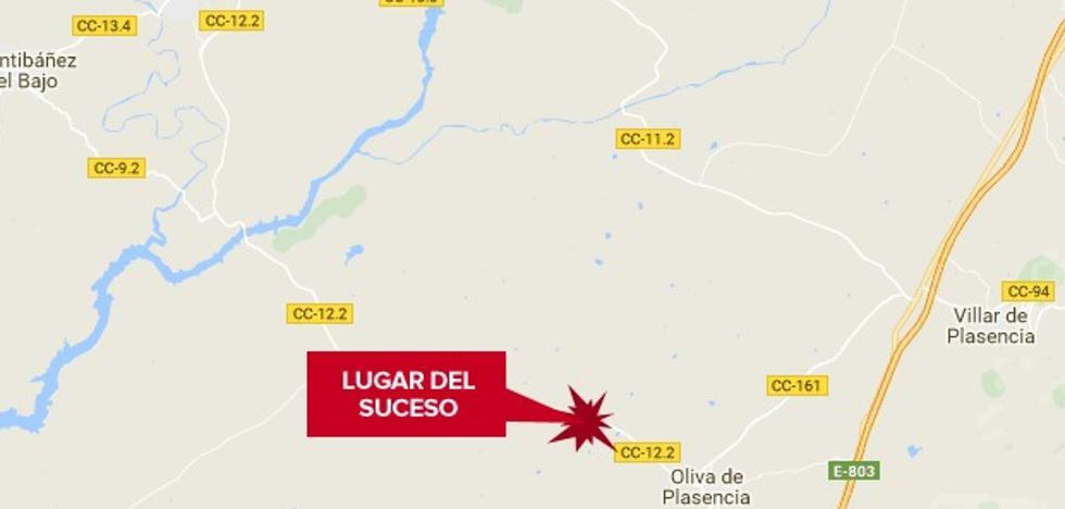 Dos ancianos heridos en una salida de vía en Oliva de Plasencia