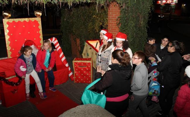 Los niños de Valverde reciben a Papá Noel