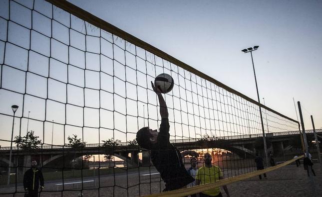 Badajoz acoge un campus deportivo de voleibol