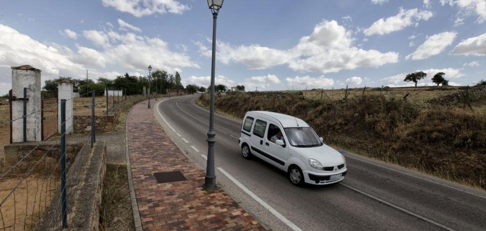 Las empresas de la Ronda Sureste de Cáceres firman contrato y se cede el terreno