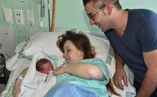 El primer bebé extremeño de 2018, y segundo de España, se llama Dylan