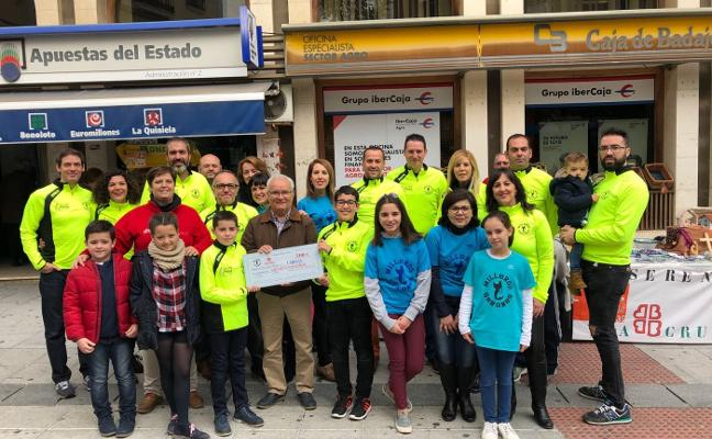 Milleros Serones dona mil euros contra el cáncer y para Cáritas