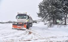 Se mantienen cortadas por la nieve tres carreteras en la provincia de Cáceres