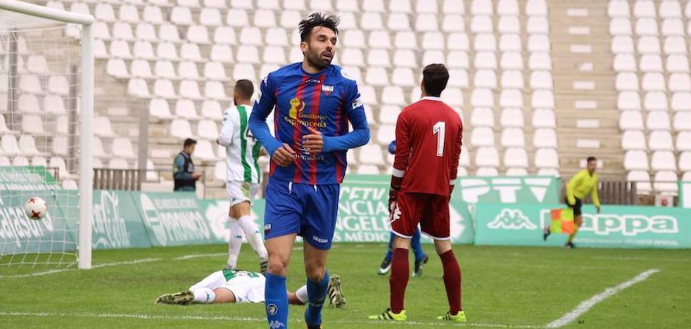 Enric Gallego y el debut soñado: 'Hat-trick' en ocho minutos y tendencia en Twitter