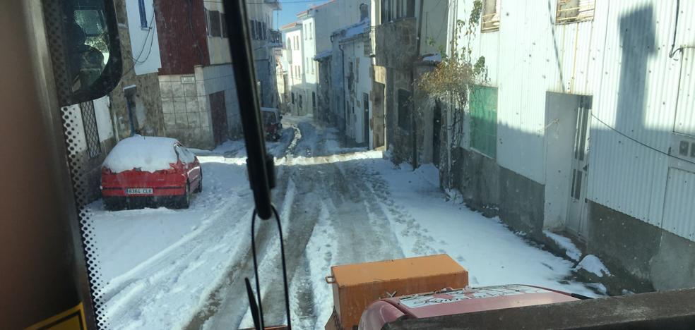 Máquinas y sal listas por las nevadas en Extremadura