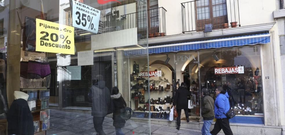 Aeca mantiene la impugnación contra la apertura del comercio el 25 de noviembre