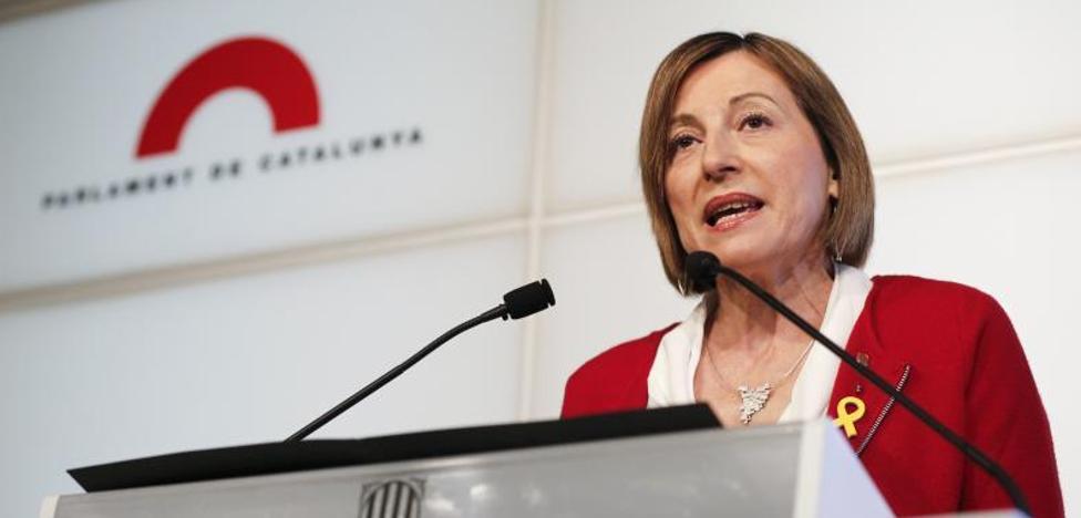 Forcadell abandona la presidencia de la Cámara, «orgullosa de no haberse doblegado» al Estado