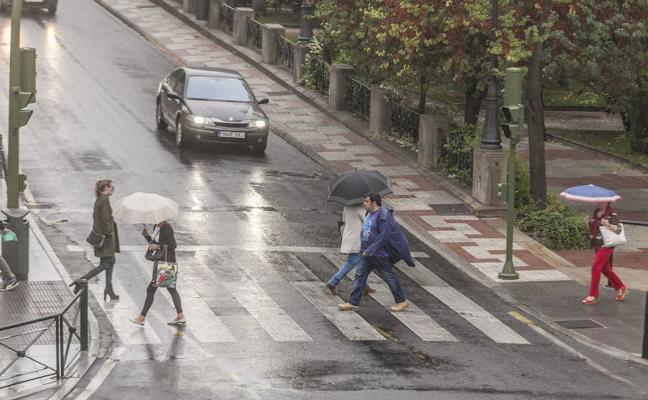 Jueves con lluvias débiles y descenso de temperaturas