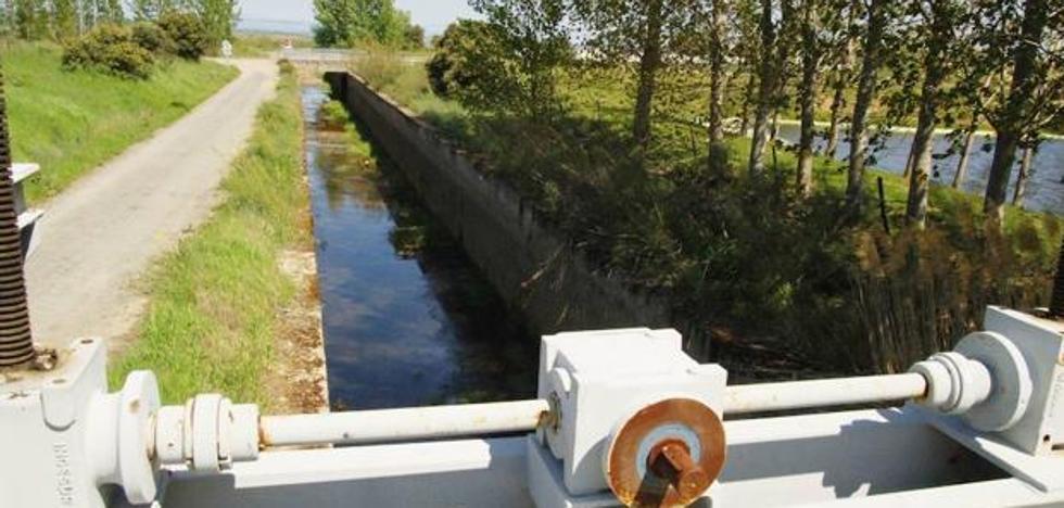 «¿De dónde vamos a sacar el agua para los nuevos regadíos si no tenemos para los ya existentes?»