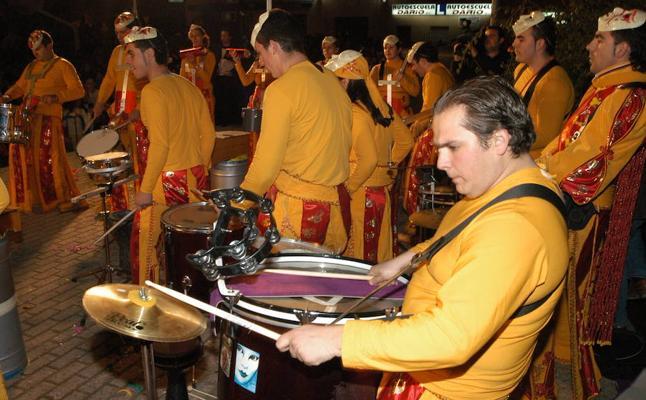 Las comparsas quieren hacer la tamborada en el auditorio Ricardo Carapeto
