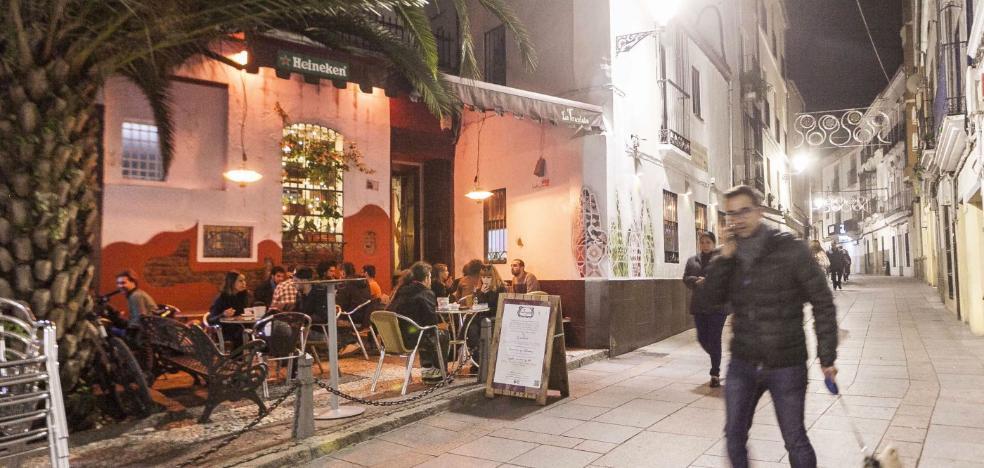 Los hosteleros de Pizarro se unen al Código Ético para no molestar a los vecinos