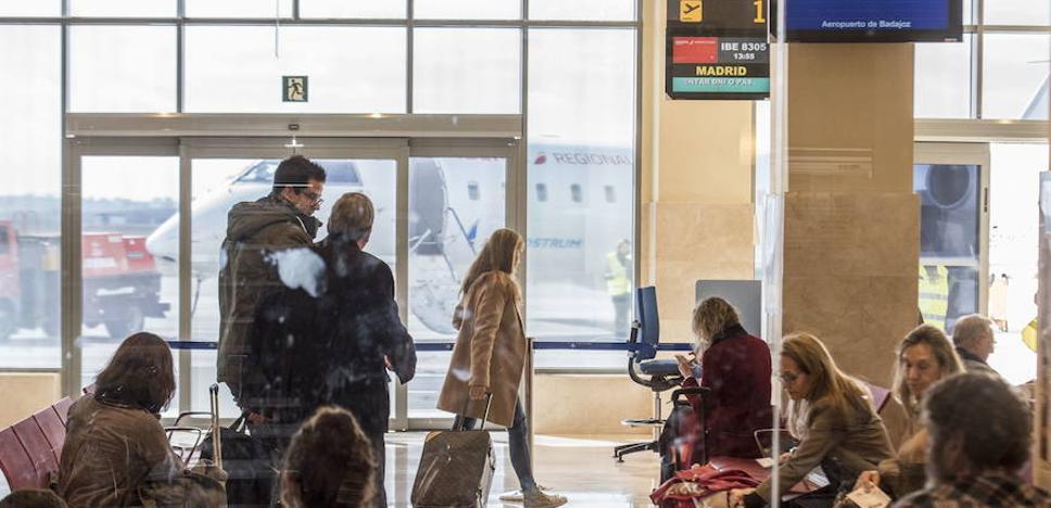 El Aeropuerto de Badajoz duplicó el movimiento de pasajeros en 2017